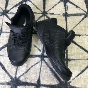 7.5 Men Nike Air Ring Leader Black shoes
